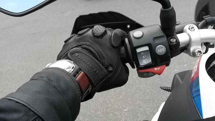 d77e726fbc3 Antes de comprar tus guantes de moto...piensa