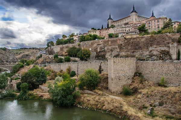 Ruta turística en moto por 11 ciudades españolas Patrimonio de la Humanidad