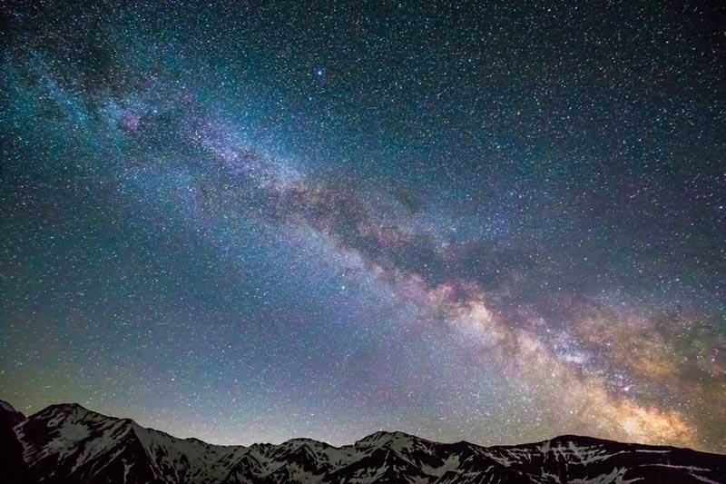 6 rutas astroturísticas en moto para admirar las estrellas
