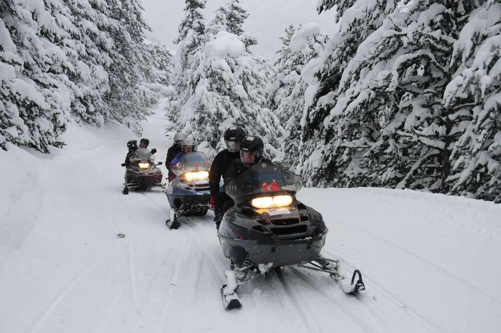 3 rutas en moto de nieve para vivir el invierno como nunca