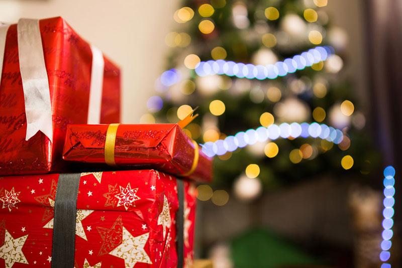 Regala packs navideños y queda el doble de bien