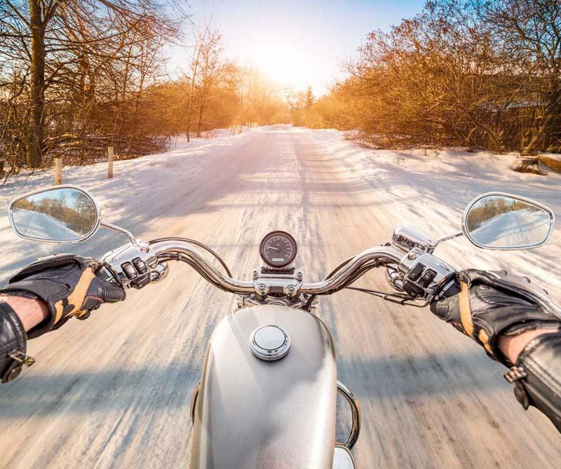 10 consejos para que el invierno no acabe con tu batería de moto