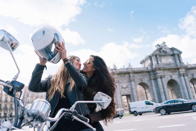 96fd1bf793c Pon en práctica estos 8 consejos y serás un copiloto de moto perfecto
