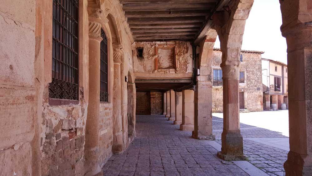 Viajes moteros en pareja. Rutas por Castilla y León para cambiar de época [Segunda parte]