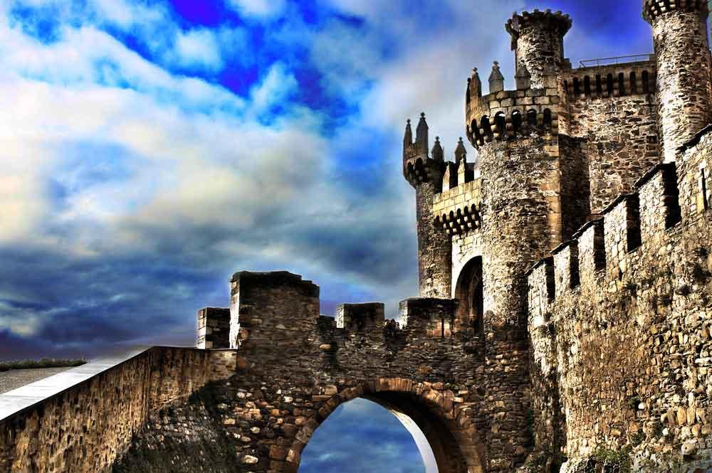 Viajes moteros en pareja. Rutas por Castilla y León para cambiar de época [Primera parte]