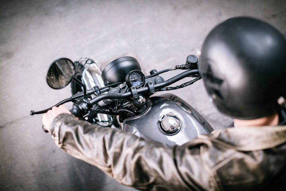 5 motos custom de 125 cc que podrás pilotar con tu carnet de coche (y su correspondiente casco)