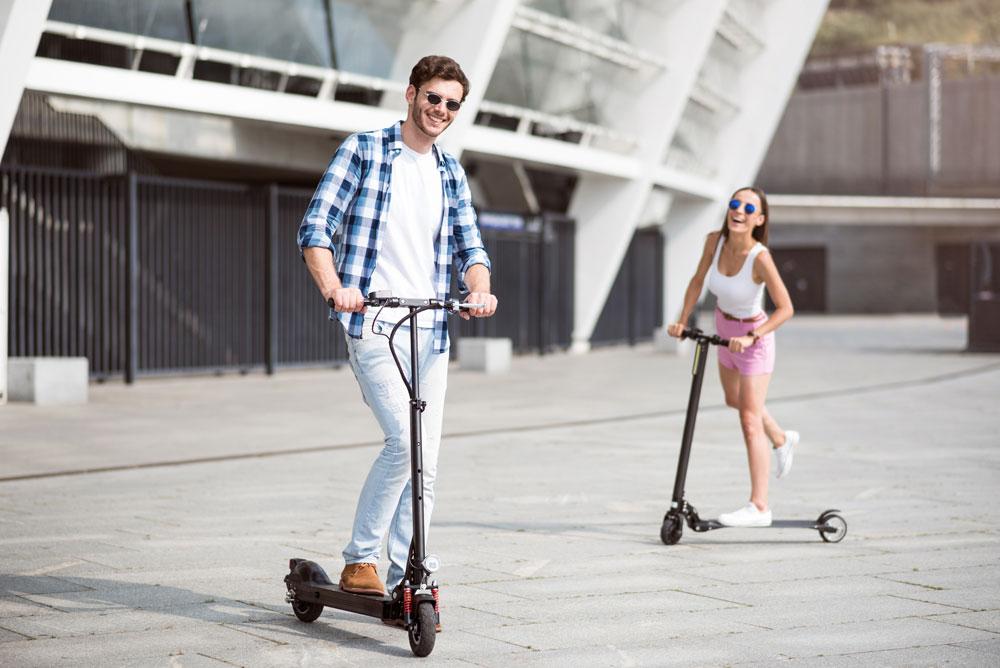 Por qué deberías informarte antes de montarte en un patinete eléctrico