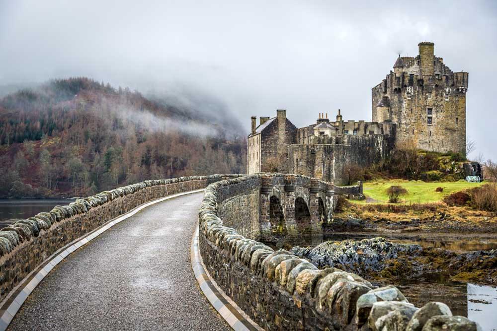 Escocia en moto: tierra salvaje de castillos, monstruos y fantasmas