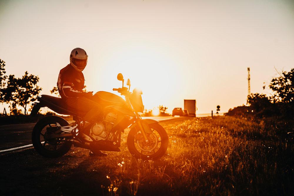 Llegó la hora de adaptar tus guantes de moto al verano