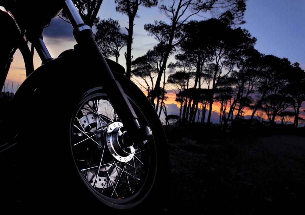 Puesta a punto de tu moto (y tuya) para empezar a rodar en verano
